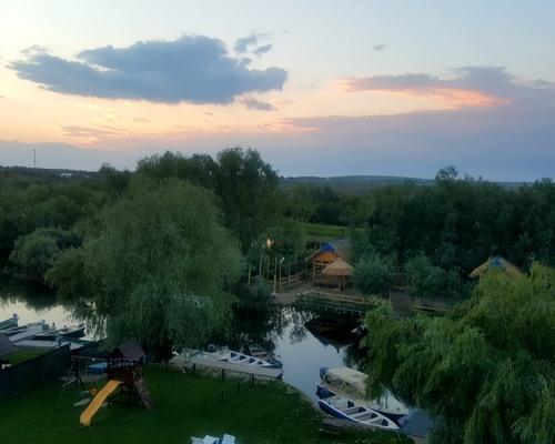 Complexul Pestisorul si Pelicanul 4✿, Dunavatul de Jos, Delta Dunarii